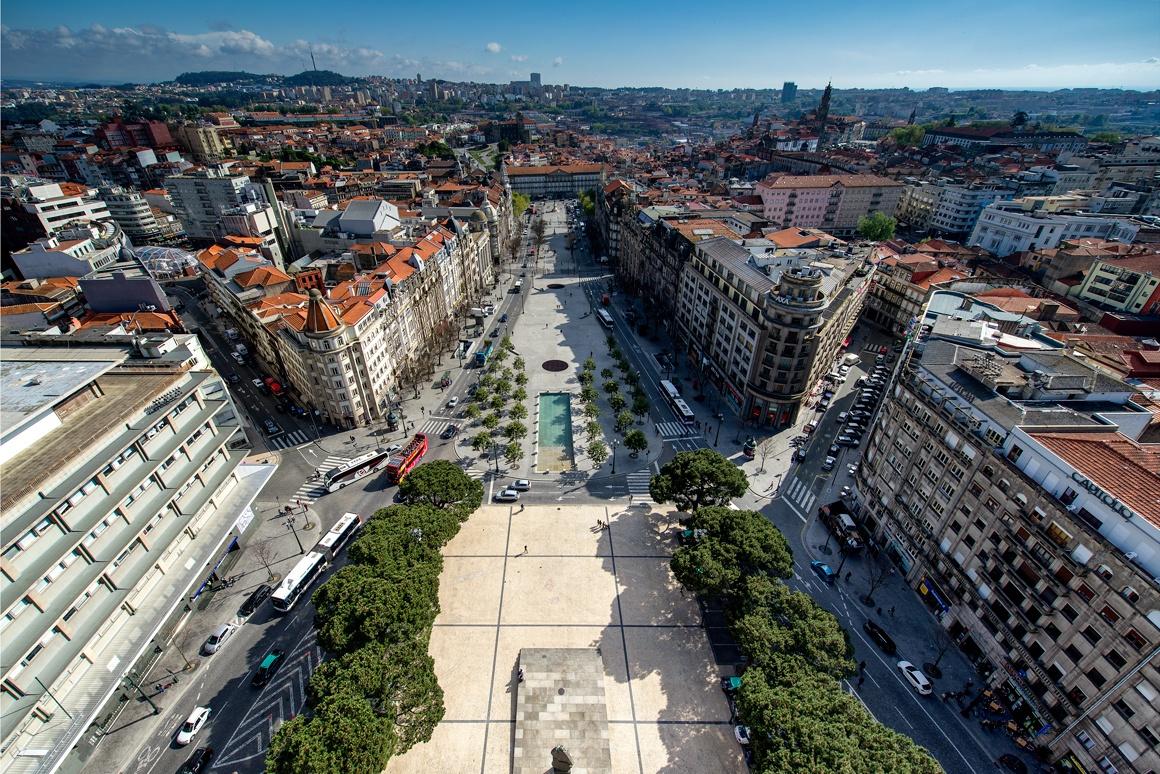 Wine, Gastronomy, Architecture & Culture Tour in Porto
