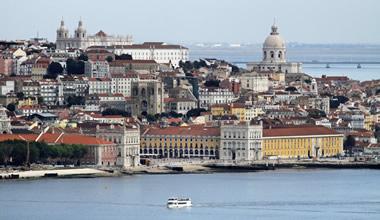 Historic & Wine Tour in Lisbon