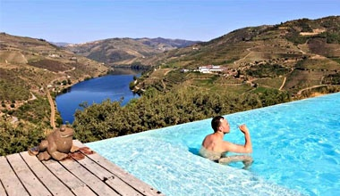 Douro Wine Tour with a Sailing Cruise in Douro River